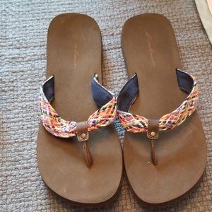 Eddie Bauer multi colored flip flops 7.5